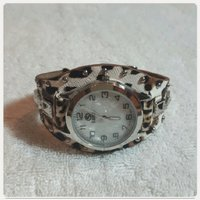 Used Brand New SANIS watch for her in Dubai, UAE