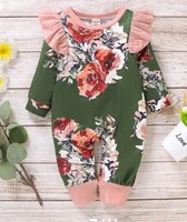 2 pcs babygirls jumpsuits and 2 hats