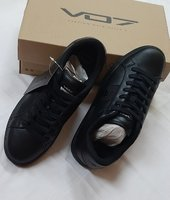 Used Calcio Dark, 42 size, VO7 ! in Dubai, UAE