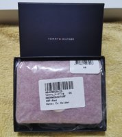 Used Tommy hilfiger Authentic wallet - ladies in Dubai, UAE