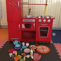 Used Elc Wooden Kitchen in Dubai, UAE