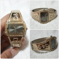 Used New golden bracelet watch for lady in Dubai, UAE