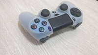 Used Ps4 controller ORIGINAL but some scratch in Dubai, UAE