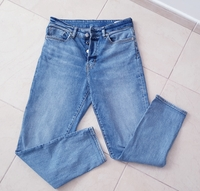 Used H&M moms jeans, size 27 in Dubai, UAE
