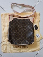 Used Lv crossbody mastercopy in Dubai, UAE
