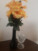 Used Flower and vase with glass decor in Dubai, UAE