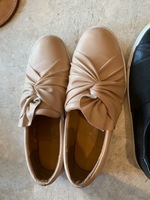 Used Leather flats size 40. Very comfortable  in Dubai, UAE