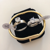 Used Solitaire Rings + Bangles  in Dubai, UAE