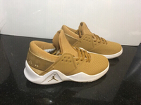 Used Jordan sneakers size 43, new  in Dubai, UAE