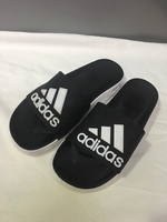 Used Adidas men's slippers size 40 new in Dubai, UAE