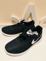 Used Sport shoes size 40 black used in Dubai, UAE