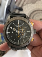 Used Burrbury watch use in Dubai, UAE