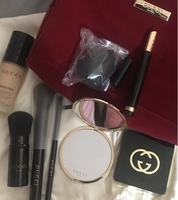 Used Gucci makeup and brushes in Dubai, UAE