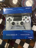 Used Sony ps4 wireless controller white color in Dubai, UAE