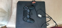 Used PS4 + Controlling hand + Wire in Dubai, UAE