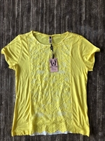 Used T-shirt FG4 size L new in Dubai, UAE