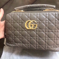 Used Gray Gucci handbag -first class copy  in Dubai, UAE