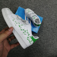 🧒 kids adidas shoes (size 29 to 35)
