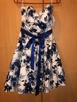 Used White floral short Party dress size 10 in Dubai, UAE