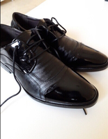 Used Men Shoes New Classic Leather  in Dubai, UAE