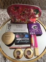 Used 9 BRANDS OF MAKE-UP PLUS MAKE-UP BAG.. in Dubai, UAE