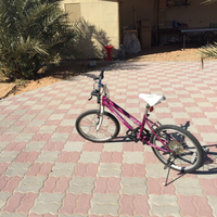 Used Pink. bicycle in Dubai, UAE