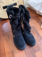 Used Original Converse boots size 37.5  in Dubai, UAE