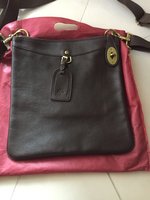 Used Mulberry leather messenger bag new. in Dubai, UAE
