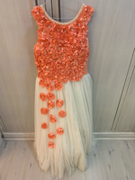 Used 13-14 yrs dress worn once! size below ! in Dubai, UAE
