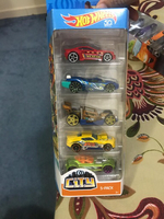Used Hot wheel cars pack of 5 in Dubai, UAE