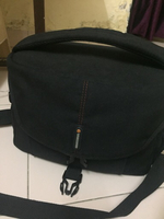 Used Venguard camera bag,canon camera battery in Dubai, UAE