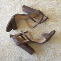 Used Strappy sandals (size 39) in Dubai, UAE