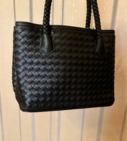 Used Handbag  in Dubai, UAE