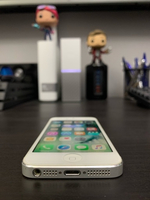 Used iPhone 5 64GB white in Dubai, UAE