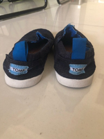 Used preloved toms shoes (2pcs) in Dubai, UAE