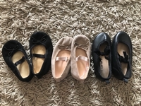 Used Hnm and carters baby shoes in Dubai, UAE