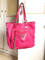 Used Vintage authentic magenta Guess bag👩👇 in Dubai, UAE