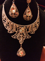 Broad big crystal necklace set