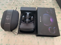 Used Selling Oculus Quest 128gb+Original Case in Dubai, UAE
