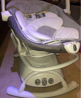 Used babies swinging chair  in Dubai, UAE