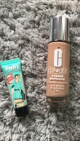 Used Clinique foundation (2in1) + pore primer in Dubai, UAE