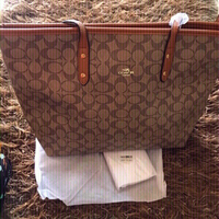 Used Coach bag 💼 and wallet  in Dubai, UAE