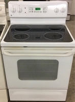Used GE Glass top Stove with full Oven.  in Dubai, UAE