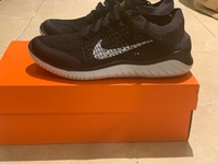 Used Original Nike Flyknit Running Shoes in Dubai, UAE