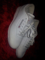 Used Woman sport shoes in Dubai, UAE