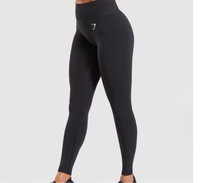 Used Gym Shark Leggings/size Small in Dubai, UAE