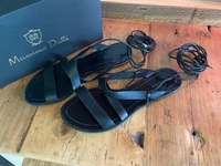 Used Massimo Dutti leather black sandals in Dubai, UAE