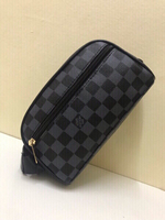 Used Louis Vuitton pouch AAAquality in Dubai, UAE