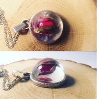 Used  Handmade necklace rosebud in Dubai, UAE