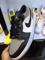 Used AIR NIKE S20 in Dubai, UAE